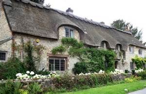 Sussex Cottages travel amberley church and castle west sussex