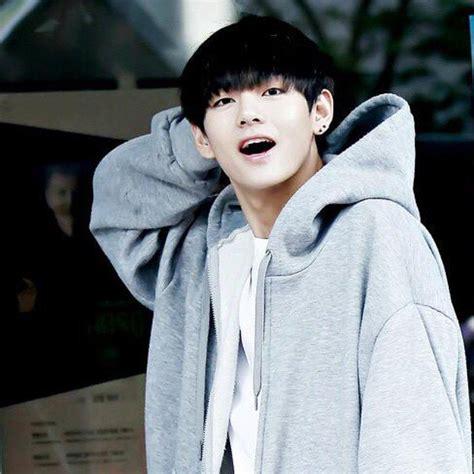 kim taehyung black hair mahmuda kimtae on twitter quot kim taehyung the cutie with