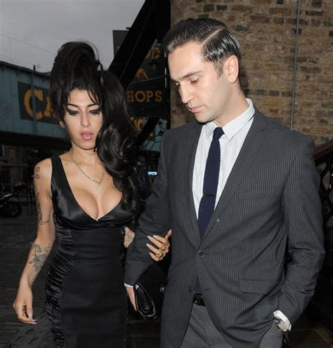 Winehouse Engaged by Is Winehouse Getting Married Again Starcasm Net