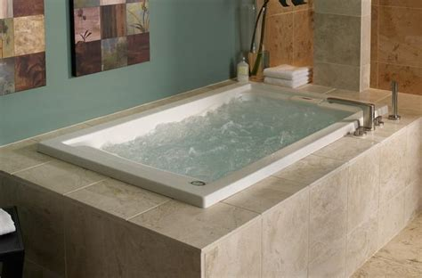 bathroom soaking tub for small bathroom how to