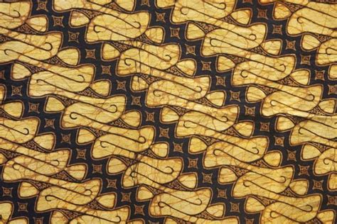 Kain Batik Parang Klitik batik pattern parang this antique batik is probably more