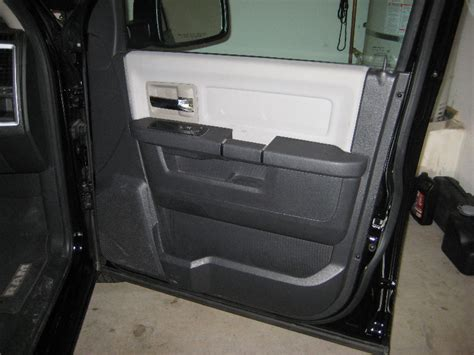 removing the front door panel on a dodge journey youtube dodge ram 1500 interior front door panel removal guide 001