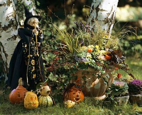 decorar jardin para halloween 4 pasos para decorar un jard 237 n moderno para halloween