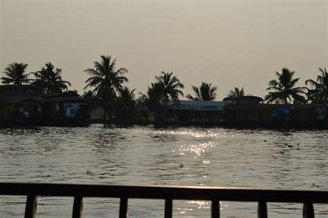 rainbow house boat rainbow cruises houseboat alleppey kerala great backwaters