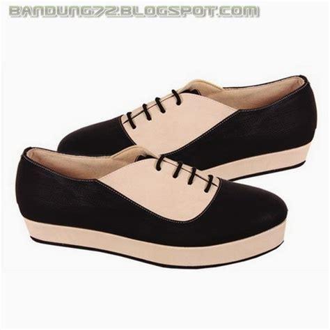 adalah gambar gambar tentang model terbaru sepatu casual