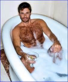 Guy In Bathtub Top 25 Ideas About Men In Bath On Pinterest Male