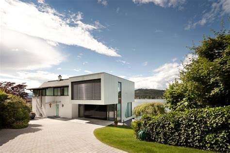 house by the lake incorporating modern elements of design