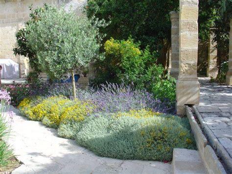 Small Mediterranean Garden Ideas 25 Best Ideas About Mediterranean Garden On Pinterest Mediterranean Garden Design