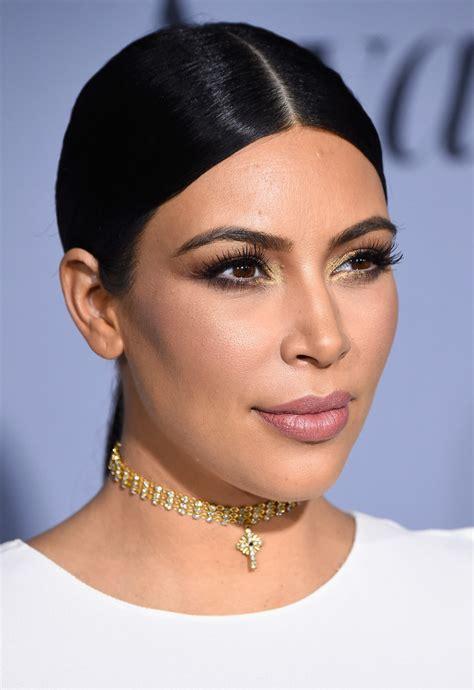 kim kardashian chanel earrings kim kardashian diamond choker necklace kim kardashian