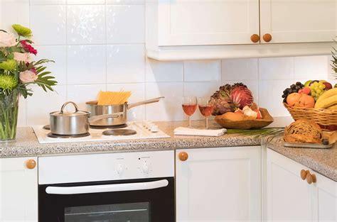 kitchen sink leaking around edges kchen tren ha gii phong thy nh v sinh tng nm trn bp with