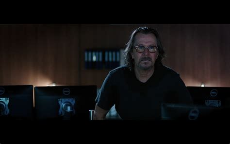 latest movies 2017 the space between us 2017 dell monitors the space between us 2017 movie scenes