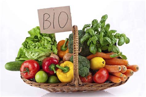 alimenti bio biologico il cibo costoso piace agli italiani