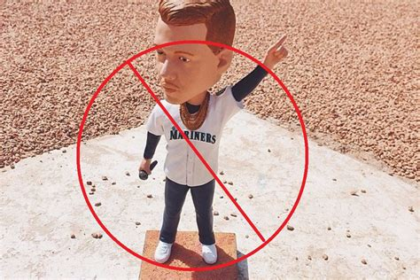 bobblehead point point bobbleheads are satan s horcruxes lookout landing