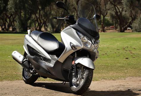 Suzuki Burgman 200cc 2014 Suzuki Burgman 200 Ride Review Gearopen