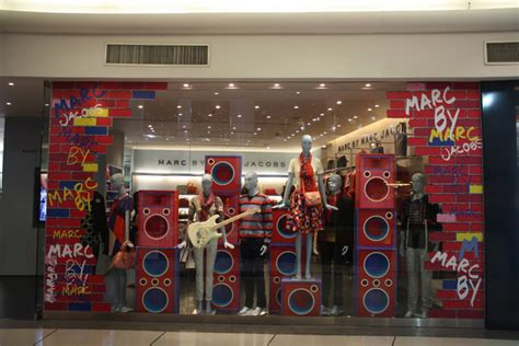 merchandise display marc by marc band windows bangkok 187 retail design