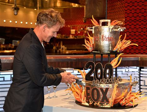 hell s kitchen hell s kitchen celebrates 200 episodes zimbio
