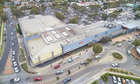 investors snap  retail centres  victoria queensland