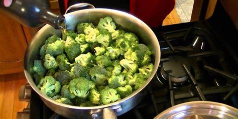 cucinare i broccoli in padella broccoli in padella