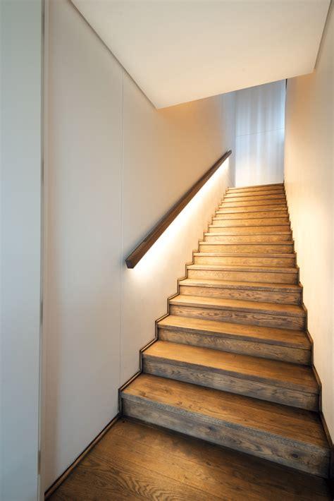 Oak Handrail For Stairs Best 25 Oak Handrail Ideas On Stair Lighting