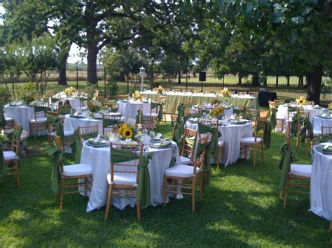 the backyard catering things to consider for your outdoor wedding or event