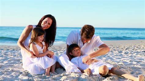 imagenes hd vacaciones familia relajarse vacaciones en la playa hd colecci 243 n