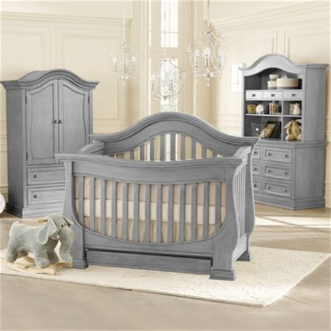 Davenport Convertible Crib Baby Appleseed Davenport 4 Nursery Set 3 In 1 Convertible Crib Dresser With
