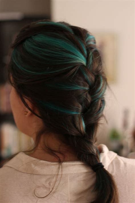 hairstyles with teal highlights teal hair streaks with turquoise ends loveeeee this