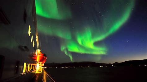 hurtigruten excursions northern lights se nordlyset fra hurtigruten