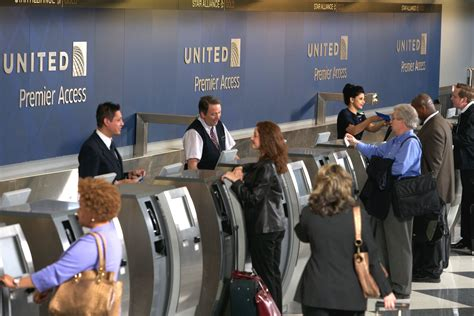 airlines help desk united brings self service bag tagging to o hare airport