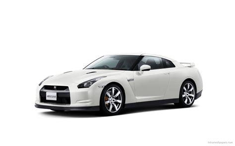 nissan white car nissan gt r white wallpaper hd car wallpapers id 1323