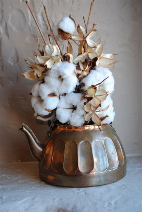 xmas floral decoration using cotton stalks 133 best images about supima on centerpieces southwest style and cotton wedding