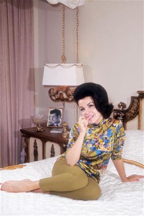 Vintage Seductive Starlets Lounging in Bed (40 pics ... Jayne Mansfield Photo