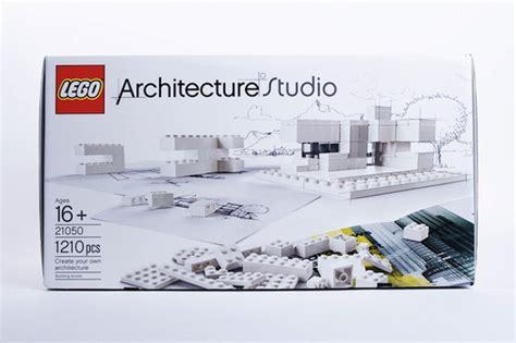 Lego Bricks Architect 7099 3107 new monochromatic lego kit lets you create your own