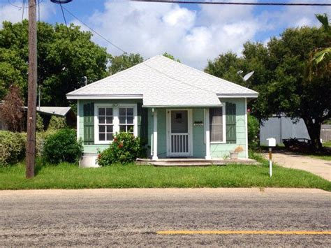 houses for rent rockport tx 823 s church st rockport tx 78382