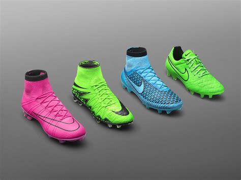 imagenes de guallos nike new season new boots lightning storm pack nike news