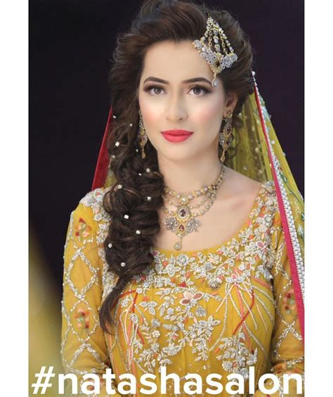 simple and easy hairstyles pakistani best 25 mehndi hairstyles ideas on pinterest mehndi
