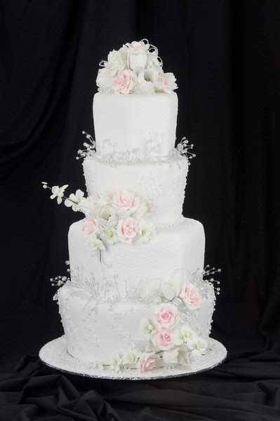 Affordable Wedding Cakes by Wedding Cakes Affordable Chair Covers