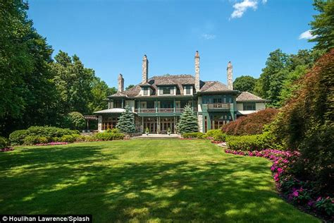 Luther Vandross Connecticut Estate On The Market For 9m Daily Mail Online