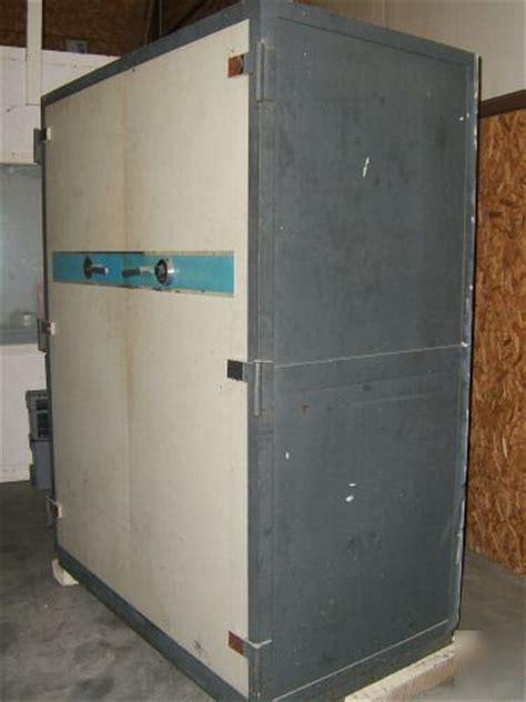 large double door data bank schwab safe cocommercial