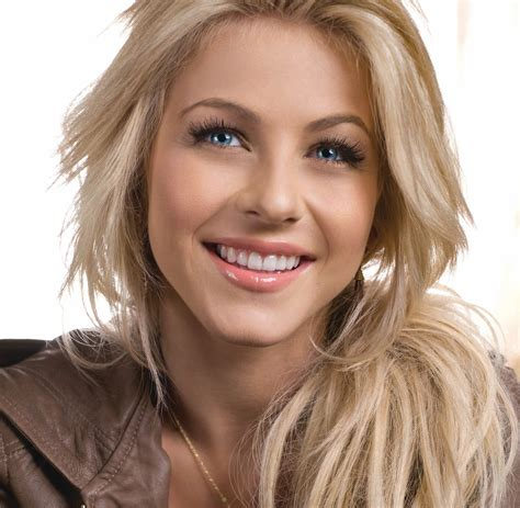 what kind of hairstyle does julienne huff have in safe haven rule 5 saturday night julianne hough