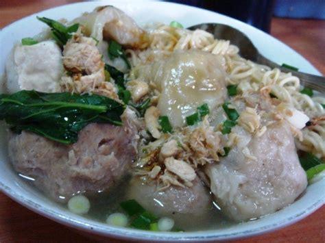 bakso membuat gemuk menyantap mie bakso akung yang nikmat wisata bandung