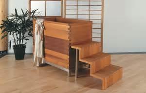 japanische wanne badewannen aus samtig warmem zedernholz eco world de