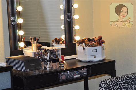 Makeup And Vanity Set A Glowing Light How To Build A Wood Makeup Vanity Table Ehow