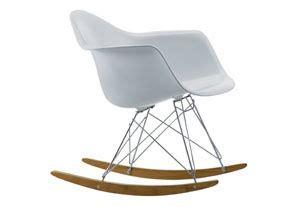 chaise a bascule blanche chaise 224 bascule blanche eames rar vitra la maison de c