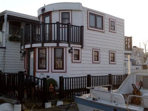 tugboat story house boat barge quot floating 1 br cottage quot imagine 2 story