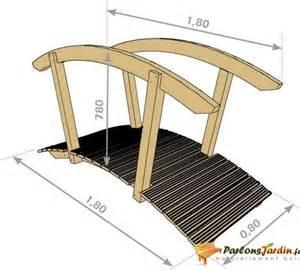 pont de jardin en bois galerne 180cm sur parlonsjardin fr