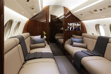 dassault falcon  vvip business jet spacious