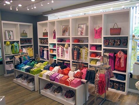 S Closet Boutique by Best 25 Clothing Store Design Ideas On Fashion Store Design Boutique Store Design