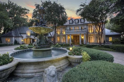 7 homes with palatial fountains