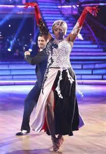 Nene leakes gives tony dovolani major attitude on dancing with the